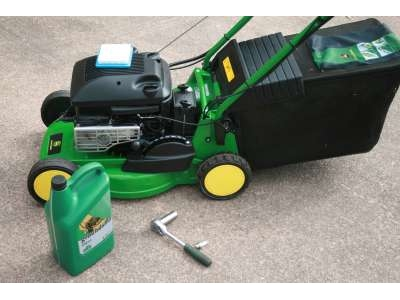 Rotary Self Propelled Lawnmower Service
