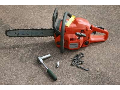 Chainsaw service and repair
